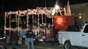 be a part of the 2012 holiday lights parade register by nov 1