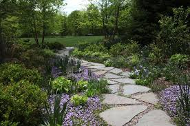 Flagstone Walkway Design Ideas by Backyard Pathway Ideas Creative And Artistic Garden Pathway