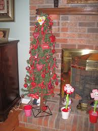 christmas tree turned valentine tree i did this too christmas