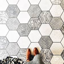 Kitchen Tile Floor Designs by Best 25 Hexagon Floor Tile Ideas On Pinterest Hexagon Tile