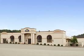 Comfort Inn Gibsonia Pa Days Inn Butler Conference Center Butler Hotels Pa 16001