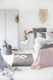 photo de chambre d ado magnifique chambre en beige avec tapis gris nos idees pour votre