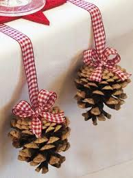 Decorating Pine Cones With Glitter Gingham Christmas Wreath And Gift Cans With Video Xmas