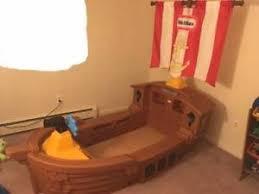 Little Tikes Pirate Ship Bed Little Tikes Barco Pirata Y Colchón De La Cama Del Niño Ebay