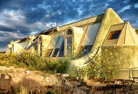 if you u0027re sick of suburbia and paying heating bills earthships