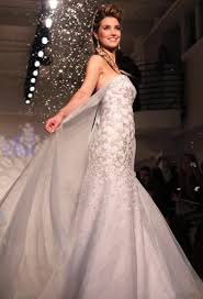 elsa wedding dress wedding dress inspired by frozen s elsa likely to be a hit ny
