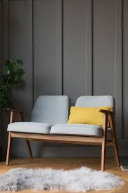 canapé de designer ce canapé 2 places de la marque 366 concept retro furniture est