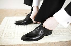 matching mens wedding shoes to their wedding suits easy weddings