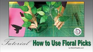 how to use wood floral picks for wreaths