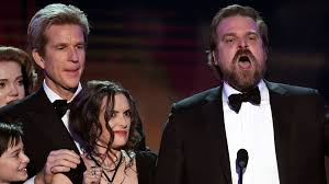 winona ryder was so baffled by david harbour u0027s powerful sag awards