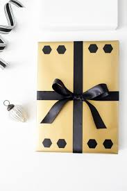 6 creative holiday gift wrapping ideas the tomkat studio blog