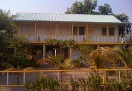 bird island belize rental info and photos about placencia village yellow bella house