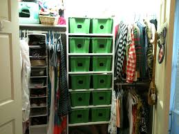 Ikea Dressing Sous Pente by Ikea Gles Tubs And Chalkboard Stickers Tidy Closet Tubs Are