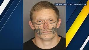 tattoo back face escaped stockton inmate with skull facial tattoo back in custody