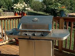 How To Build A Backyard Bbq Pit by How To Clean A Barbeque Grill In 15 Minutes How Tos Diy