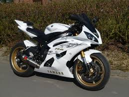 yamaha yzf r6 review and photos