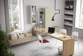 Schreibtisch Dreieckig Schreibtisch Mit Einem Sauberen Design In Trasnsparent Glas