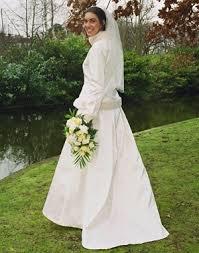 robe de mariã e hiver 10 robes de mariées originales en fourrure blanche