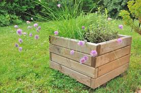 How To Build A Planter by How To Build A Garden Box How To Build Raised Garden Boxes Garden