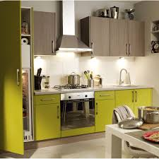 meuble cuisine vert anis couleur taupe et vert anis avec cuisine vert anis trendy peinture