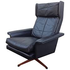 Leather Club Chair Swivel Black Leather Wingback Swivel Chair By Komfort At 1stdibs