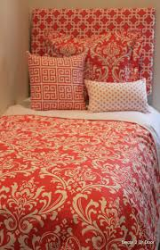 bedding picturesque 69 best top neutral dorm room ideas images on