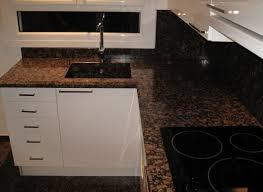 cuisine avec plan de travail en granit plan de travail de cuisine