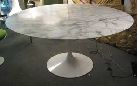 saarinen marble coffee table black and white zebra rug side