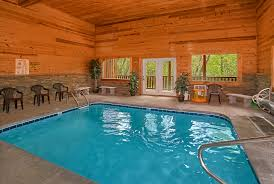 4 bedroom cabins in gatlinburg swimming in paradise cabin in sevierville elk springs resort