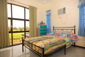 interior design for small bedroom in the philippines style