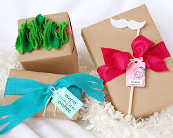How To Gift Wrap A Present - creative felt gift wrap