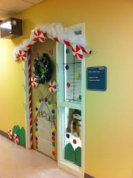 snoopy u0027s christmas my door for decorated door contest at ideas