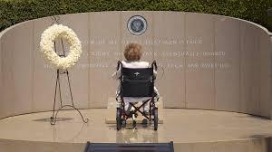 Nancy Reagan Signature Nancy Reagan Former First Lady Dead At 94 Chicago Tribune