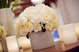 How Much Is A Dozen Roses How Many Roses In Each Centerpiece Weddingbee