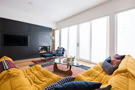canapé ligne roset togo salon avec un canapé ligne roset jaune