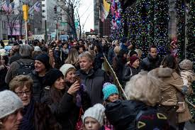 What To Do On Thanksgiving Day In New York A New York Holiday Tradition To Count On Big Crowds The New