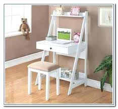 Small Desks For Small Rooms Small Writing Desk For Bedroom Serviette Club