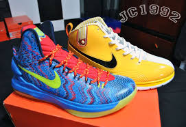 kd christmas look check out kevin durant s new christmas nike kd v sneakers