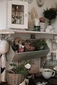cuisine d autrefois du zinc et du blanc pour une cuisine d autrefois dans un design d