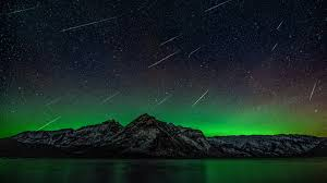 northern lights jasper national park northern lights and meteors at lake minnewanka in banff youtube