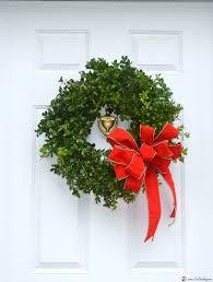 deck it out decorating series boxwood wreath liz bushong