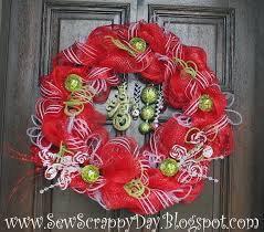 sew scrappy day bright red deco mesh christmas wreath