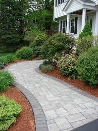 Backyard Walkway Ideas by Best 25 Front Sidewalk Ideas Ideas Only On Pinterest Front Yard