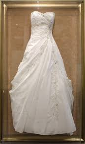 display wedding dress bespoke wedding dress frame collins
