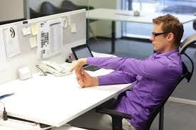Tired Work Hours Afternoon Slump At Work 18 Tips To Beat It Reader U0027s Digest