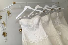 where can i sell my wedding dress selling your wedding dress articles easy weddings