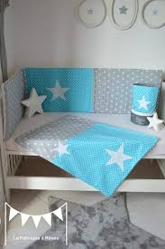 chambre bébé gris et turquoise linge lit couverture bébé polaire coton bébé garçon turquoise gris