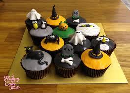 halloween halloween cupcake ideas fondant figures tags cupcakes