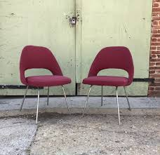 early knoll saarinen side chairs