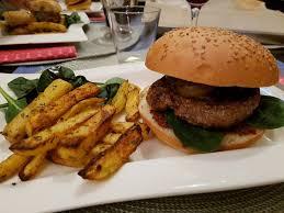 cuisiner un hamburger j ai testé quitoque livraison de panier repas à cuisiner ma p